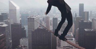 Por que você deve perder o medo de investimentos de risco?