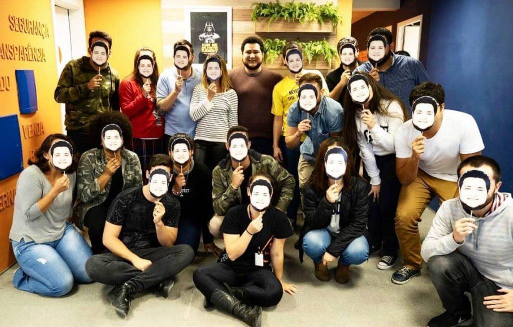 guto schiavon máscaras aniversário