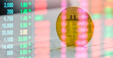 Bitcoin acumula alta de 31% e supera crise de 2020